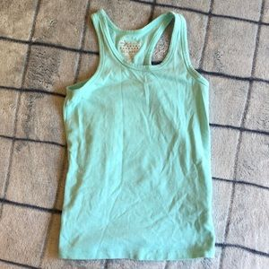Girl's turquoise tank top